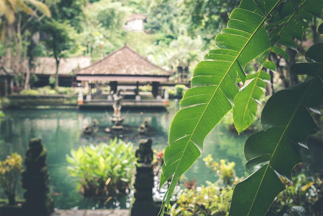 アジアン雑貨やバリ家具をお探しなら | 南国のリゾートのような癒しの空間